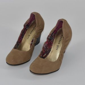 Madden Girl Round brown tan toe wedges size 6